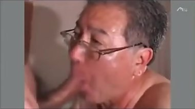 Cute japanese daddy gets fucked