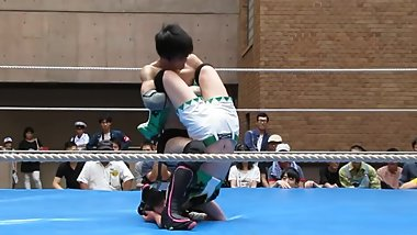 japanese man and woman mixed wrestling