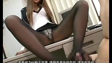 long leg japanese OL giving footjob to her college