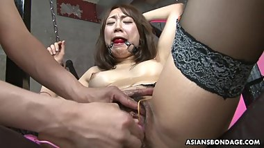 Bound Asian babe Ryo Akanishi got her nasty pussy toyed