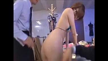 Japanese girl likes a rough GangBang