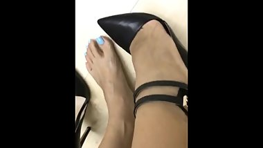 Asian Foot Model Shows of Her Sexiest Feet on Instagram Live (5)