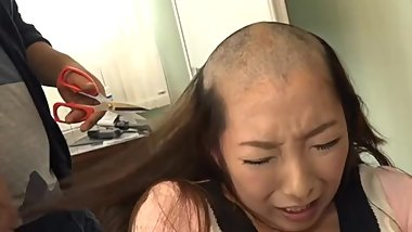 Japanese disgraced gets head shaved bald