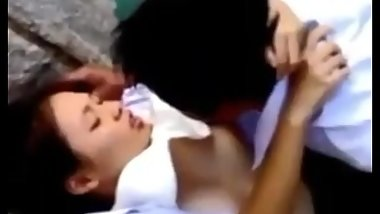 Asian School Teens Caught Having Sex in river bank