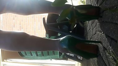 GREEN HIGH HEELS CUT