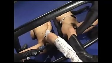 Heroine Cat Fight 003