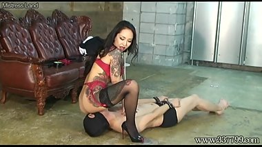 Japanese Mistress Youko Facesitting and Handjob