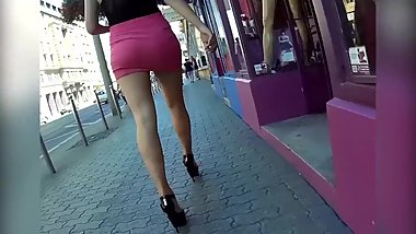 Hiddencam horny bitch teen in tight miniskirt exposes her long legs & ass !
