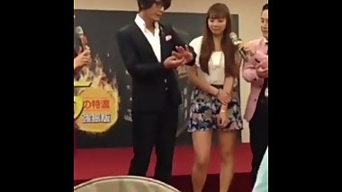 Japanese porn star Taka Kato explains how to make women squirt in China